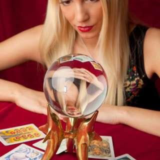 Astrologer/ Tarot Card Reader