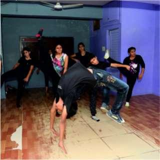 D Dance Street