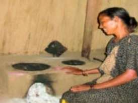 Diksha is making Women in Rural Gujarat Healthy and Independent with her Smokeless Chulha